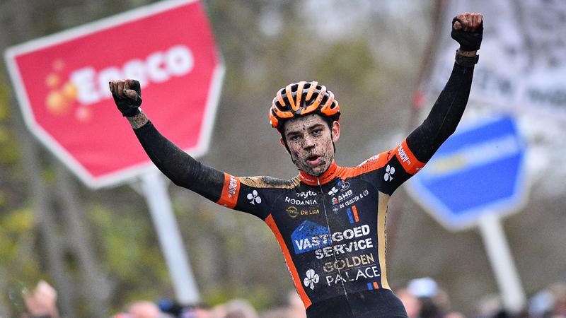 Van Aert domineert van start tot finish (VIDEO)