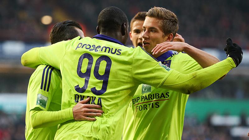 Anderlecht klopt Zulte Waregem op een drafje