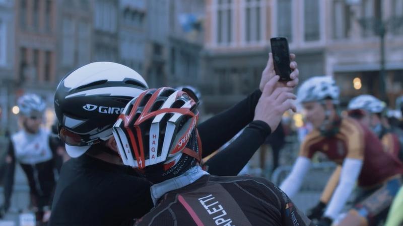 Uitgelaten sfeer aan de start in Brugge