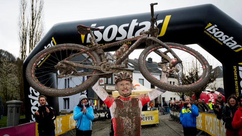 1200 mountainbikers disputent un Roc Marathon exigeant