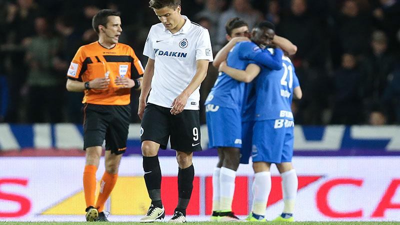 Club Brugge met de billen bloot in Genk