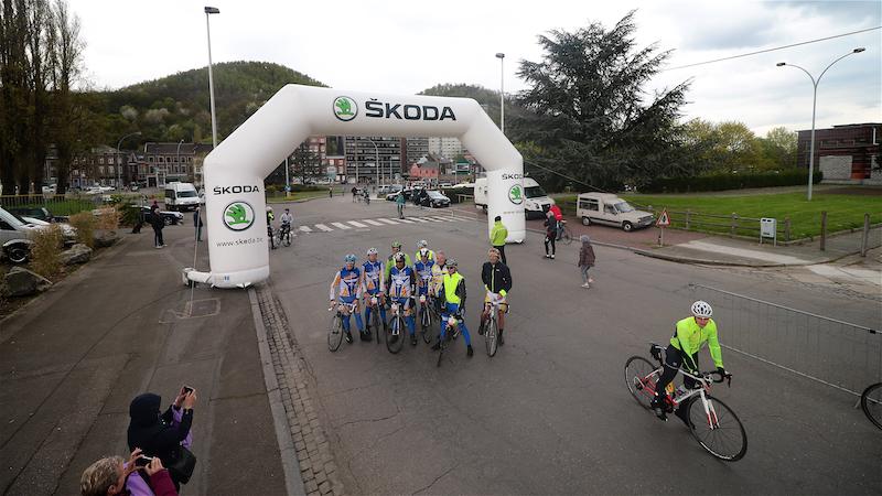 Internationaal gezelschap in Liège-Bastogne-Liège Challenge