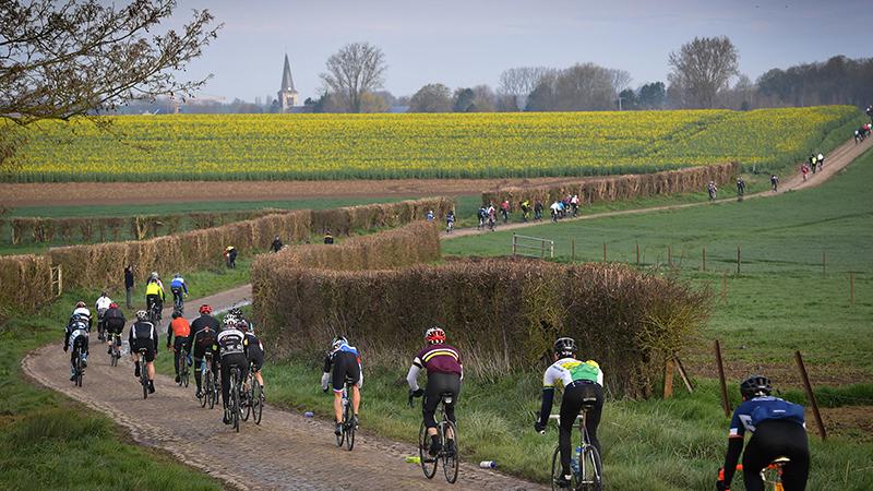 Paris-Roubaix-Challenge lost alle verwachtingen in (VIDEO)