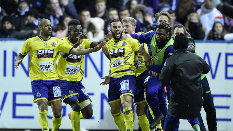 Waasland-Beveren dient Anderlecht pijnlijke nederlaag toe