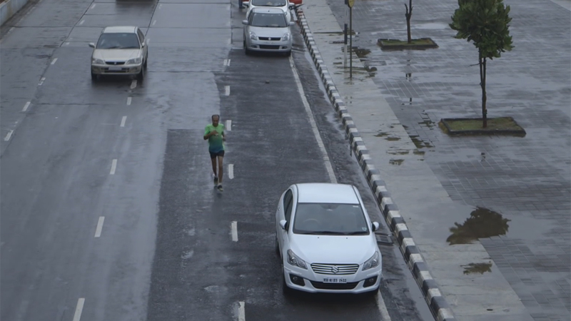Pakkende kortfilm: per dag 12 uur werken en 32 km lopen