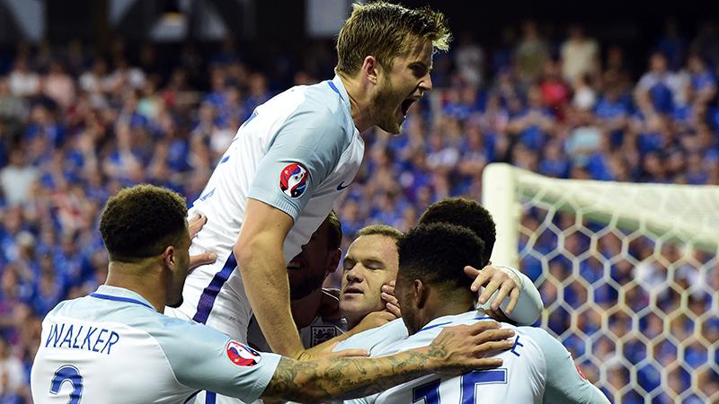 Engelandspelers lachen met uitschakeling Wales (VIDEO)
