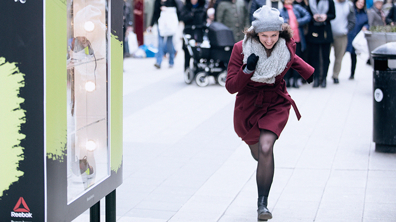 Kan je 17 km/u lopen? Dan krijg je een gratis paar loopschoenen!