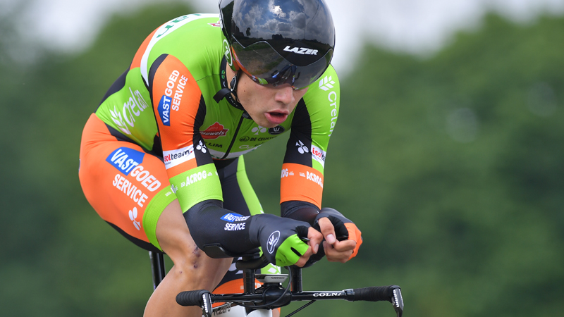 Van Aert boekt sensationele zege in proloog (VIDEO)