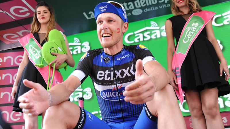 Lachende gezichten bij Etixx-Quick.Step na de Giro