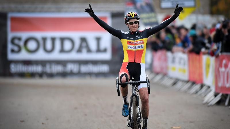 Sanne Cant heerst bij dames