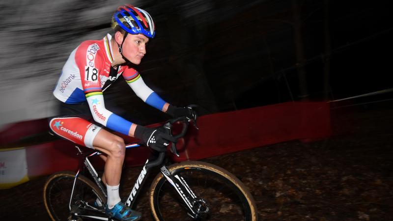 Winnaar Van der Poel: '50 minuten denken aan overwinning'
