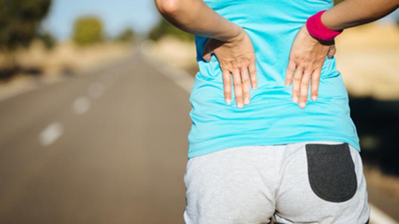 Oorzaken van rugpijn tijdens het lopen