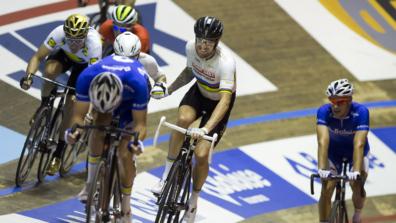Wiggins and Cavendish in the lead ahead of final day