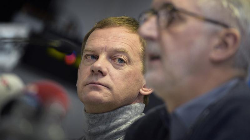 Peter Van den Abeele (UCI) over oortjes, u-bochten en vergunningen