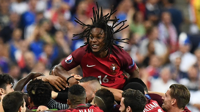 Le Portugais Renato Sanches remporte le Golden Boy Award