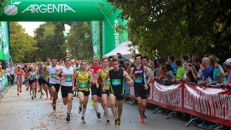 4000 sportievelingen lopen 11de Dwars door Mechelen