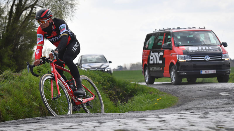 Cyclisme: le champion olympique Greg Van Avermaet remporte Paris-Roubaix