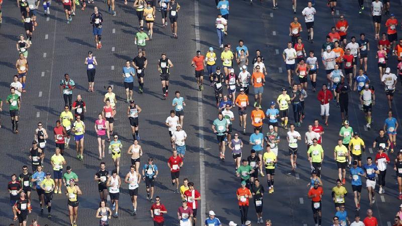 Une femme de 50 ans explique comment courir un marathon en moins de 3h