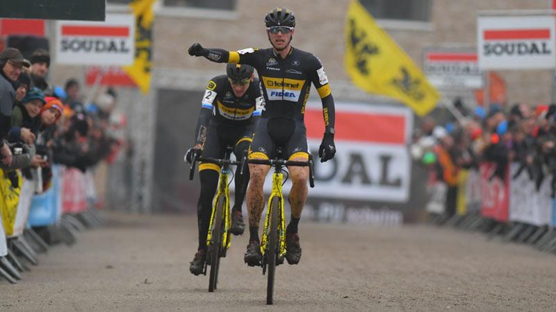Van Kessel wint na straffe remonte in Hasselt (VIDEO)