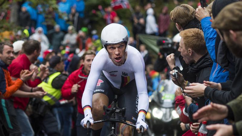 Woedende Martin haalt snoeihard uit naar UCI en Sky