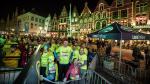 Magische nachttocht door Brugge trekt duizenden lopers en wandelaars