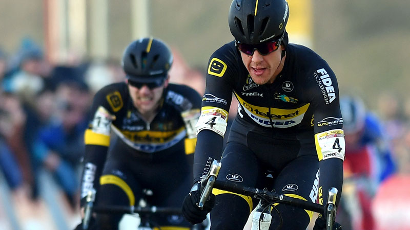 Tom jumpt naar podium in Oostmalle