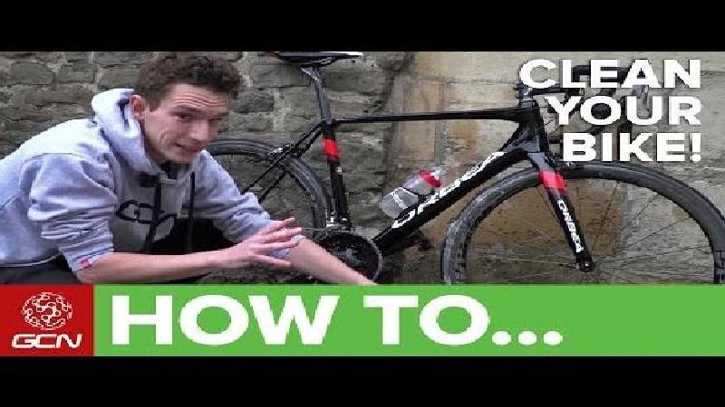 Zo maak je je fiets in sneltempo schoon (VIDEO)