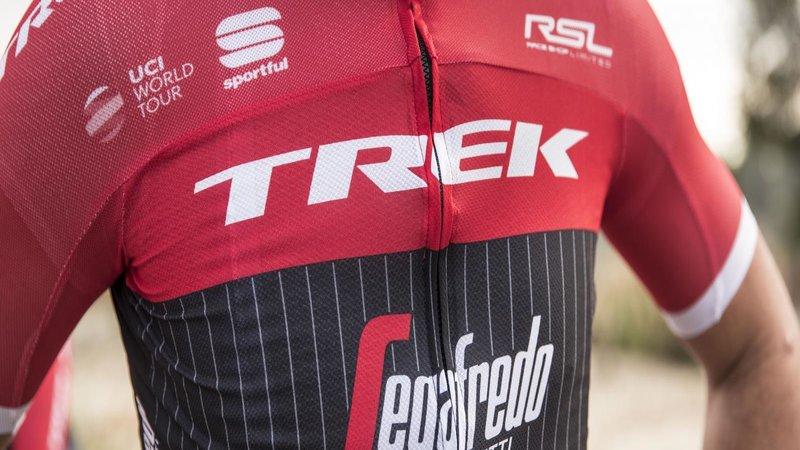 Trek-Segafredo kleurt rood