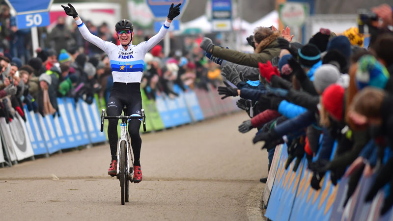 Ijzersterke Aerts domineert GP Sven Nys (+VIDEO)