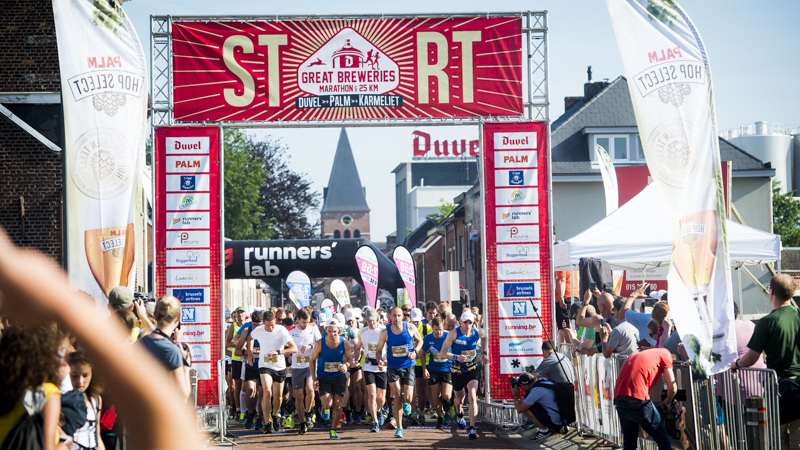6.200 sportievelingen trotseren de hitte in de Great Breweries Marathon!