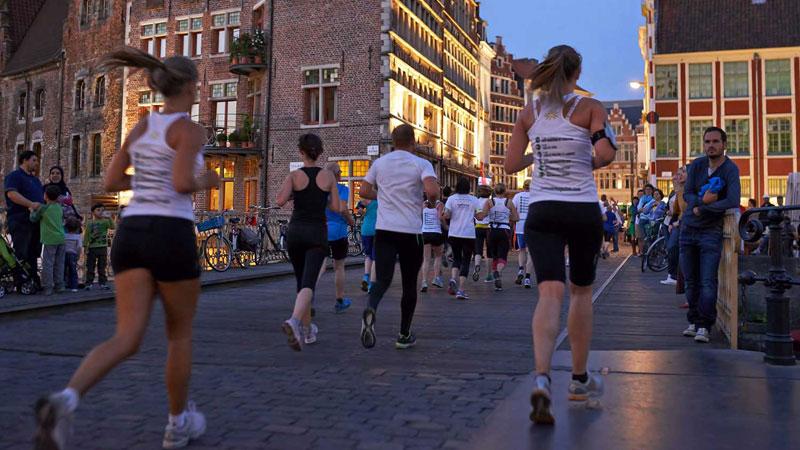 Plus de 4000 coureurs au Runners' Lab Midzomernachtrun