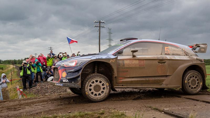 Rallye de Pologne: Tänak (M-Sport/Ford) d'une courte tête, Ogier distancé