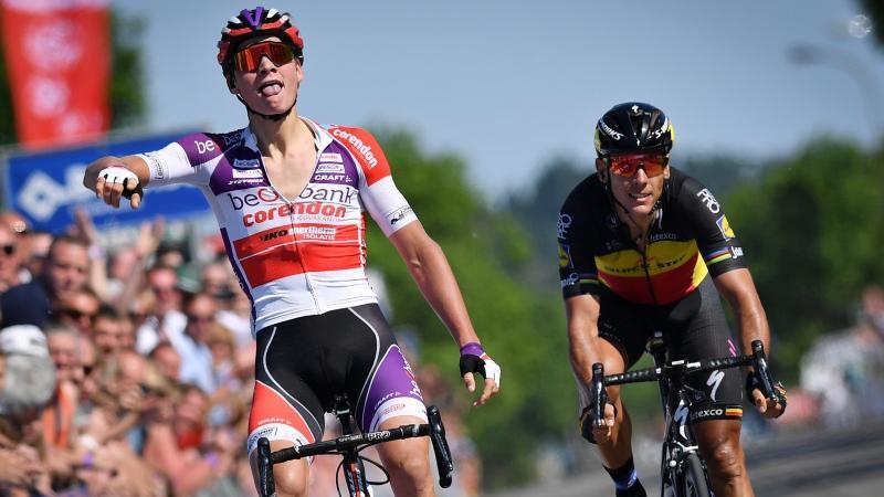 Van der Poel klopt Gilbert en Van Aert na waanzinnige finale