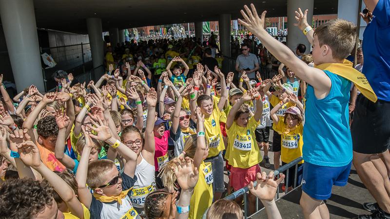 1200 enfants courent 1 mile ensemble