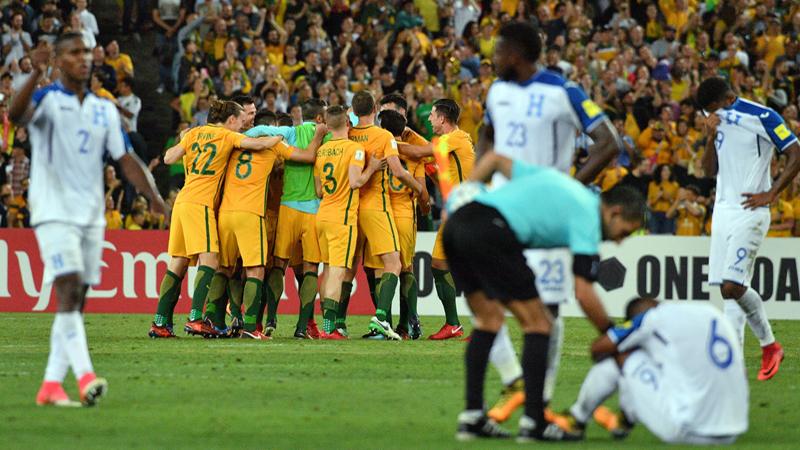 L'Australie 31ème qualifié grâce à un hattrick de son capitaine (VIDEO)