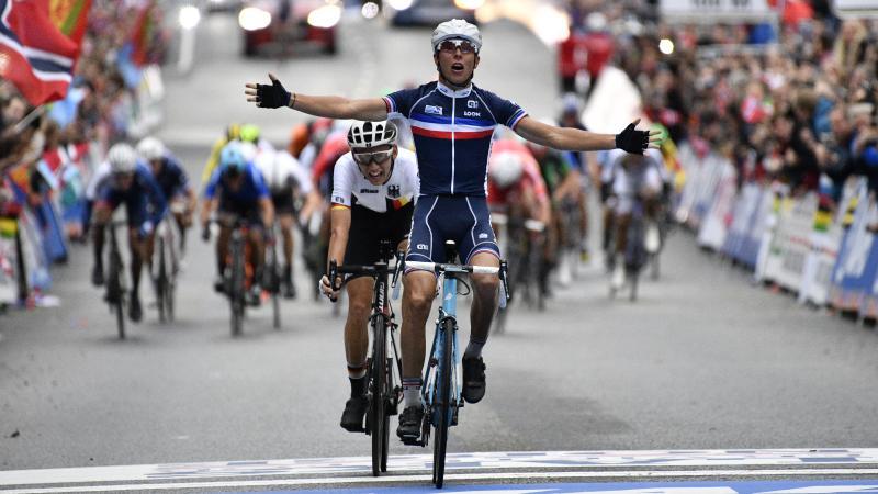 Fransman Cosnefroy verovert wereldtitel bij beloften