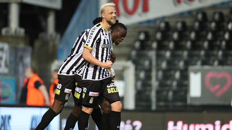 Charleroi décroche sa première victoire en Play Off 1