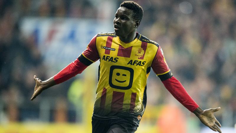 Bandé traint alvast mee bij Ajax