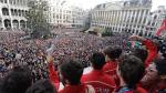 Red Lions krijgen enthousiaste ontvangst op Brusselse Grote Markt