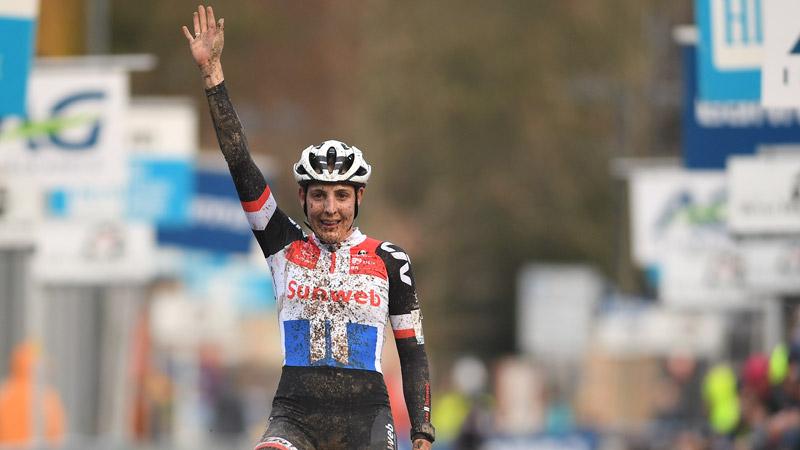 Lucinda Brand wint Druivencross bij de dames