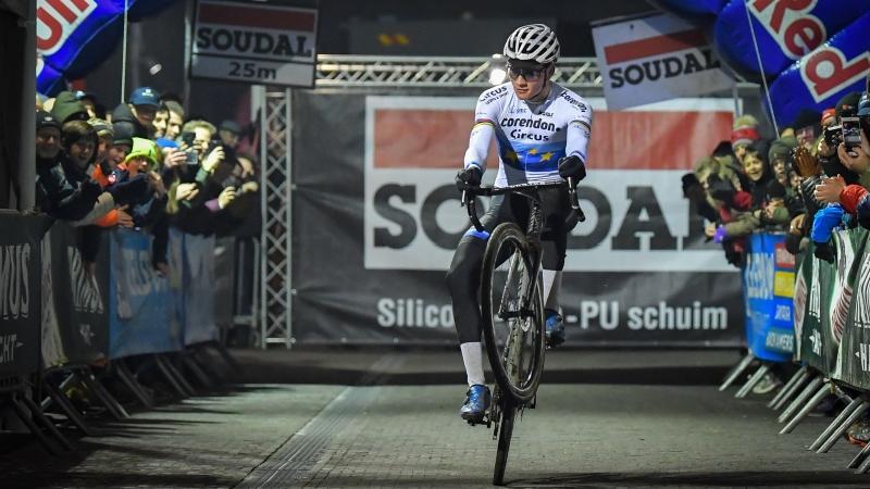 Van der Poel en Cant ook de sterksten in Soudal Cyclocross Masters