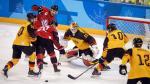 Duitse ijshockeyers stunten en schakelen titelverdediger uit