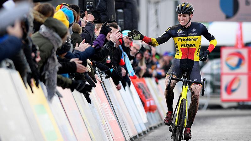 Thijs glundert met tweede plaats in Aardbeicross