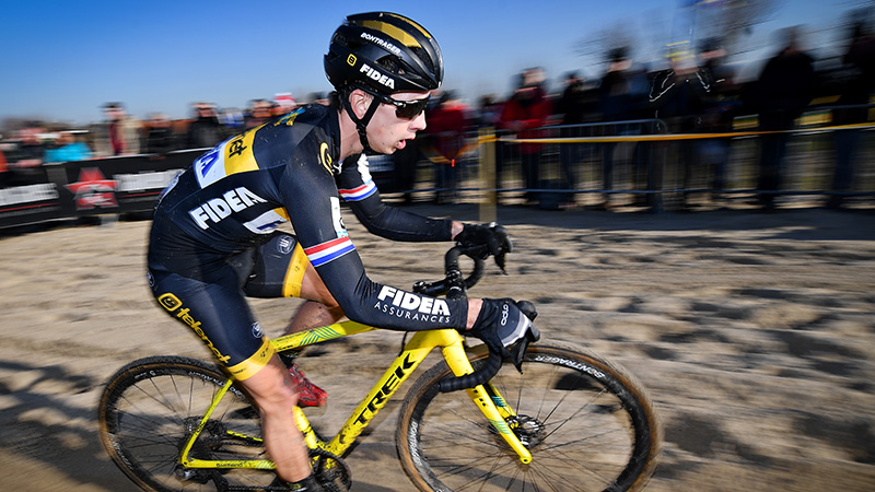 Lars top-5 in slotmanche Superprestige in Middelkerke, Telenet Fidea Lions 4-5-6 in eindklassement