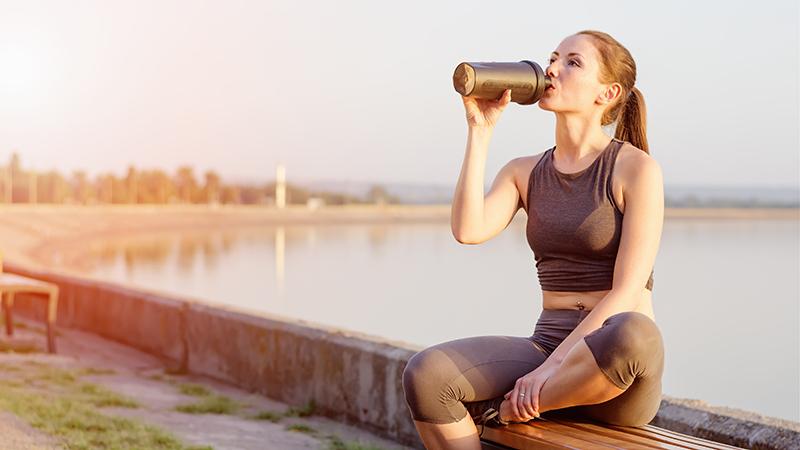 Wat gebeurt er met je lichaam als je na een training niets eet/drinkt?