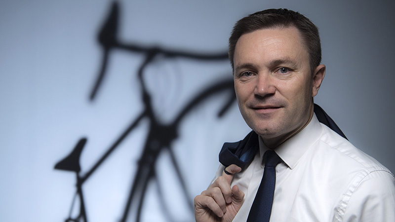 UCI-voorzitter Lappartient hard voor Team Sky: 'Schors Froome voorlopig'