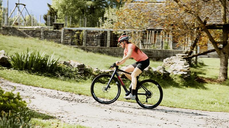 TEST: BMC brengt drie versies van lichte carbon e-bike uit