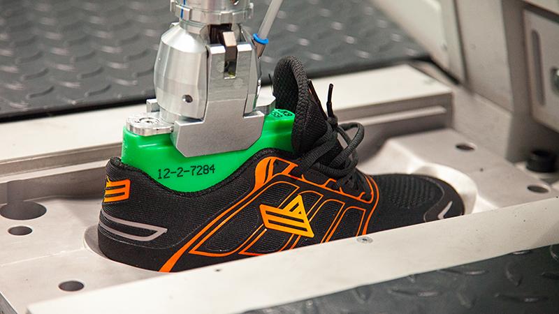 'Machine zorgt in 12 minuten voor schoenen op maat'