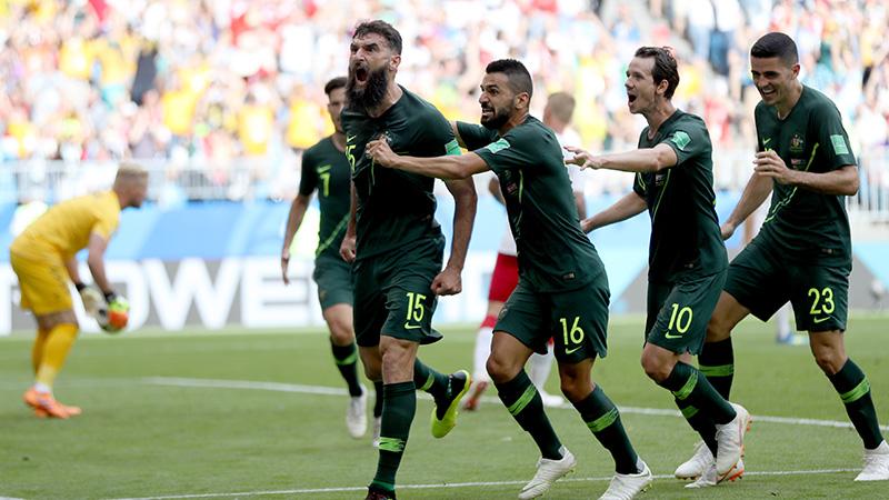Denemarken en Australië spelen gelijk, VAR opnieuw beslissend