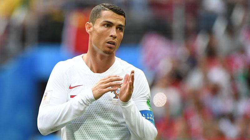 Iraanse vuvuzela's verstoren nachtrust Cristiano Ronaldo (VIDEO)